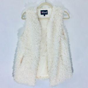 Imitation Fur Vest Off-White Cute Boho Sherpa look